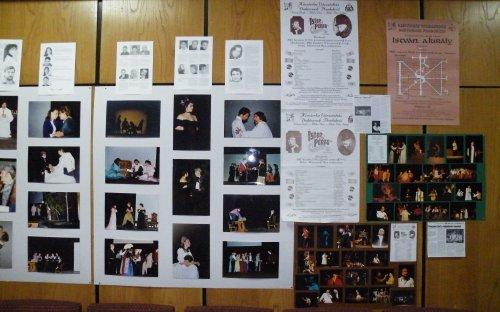 Foktók és plakátok az előadásokból